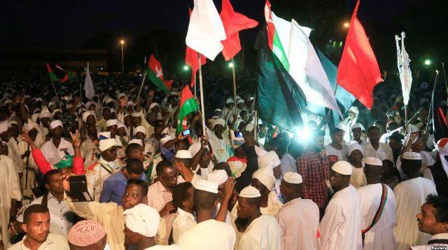 مثقفون سوريون وعرب يصدرون بيانا لدعم انتفاضة السودان الشعبية