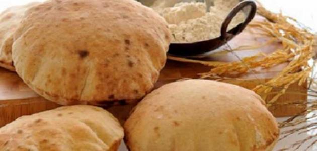 المواعظ لا توفر رغيفاً من الخبز